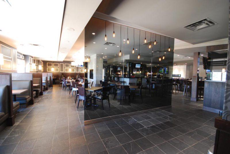 Solas Bar & Grill